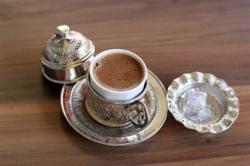 非语言交流:阿拉伯咖啡饮用习惯